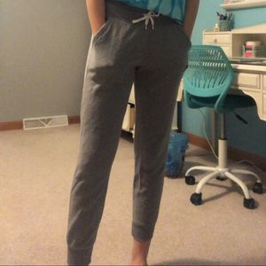 size small grey under armour joggers